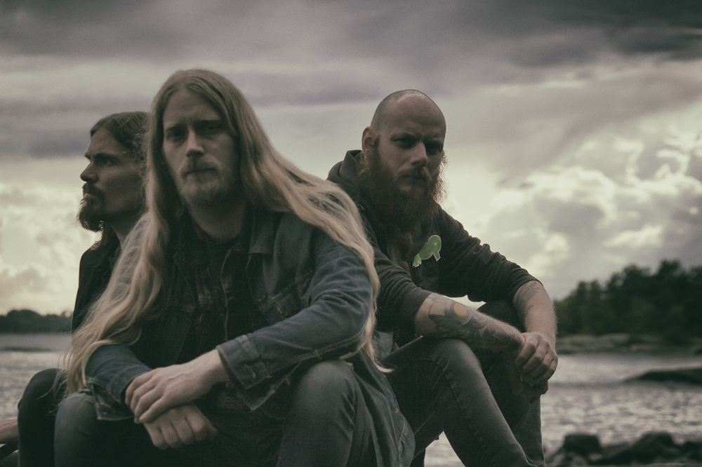 ZT PREMIERE: ATMOSPHERIC DOOMSTERS MAMMOTH STORM SHARE A